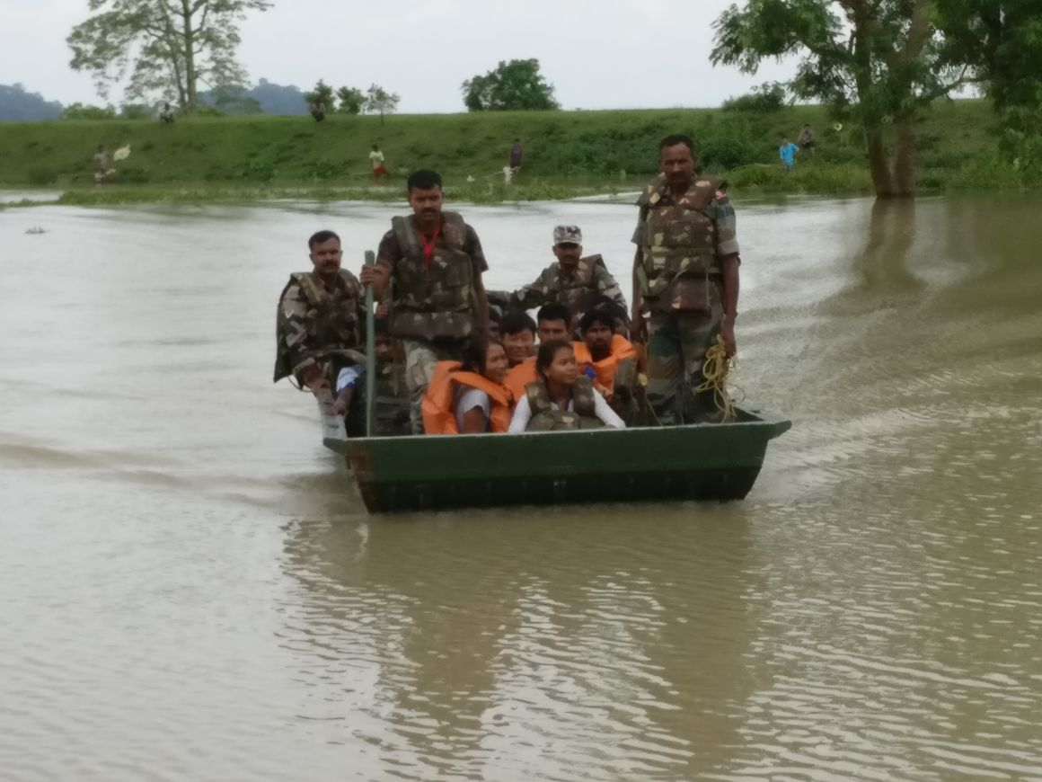 Army engaged in rescue operations. (Photo by Pranab Kumar)