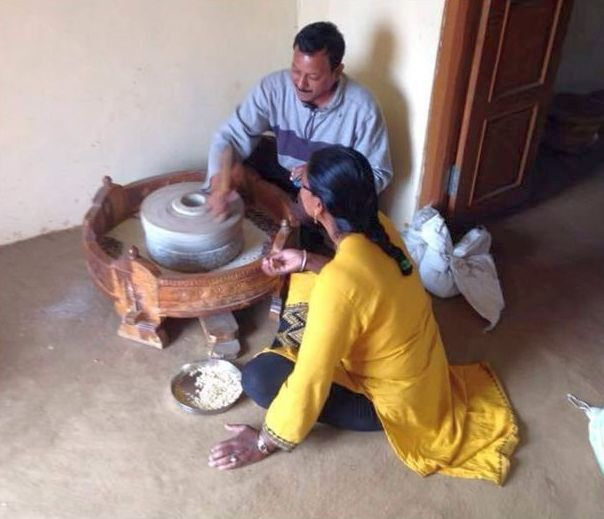 Subhadra Khaperde, co-founder of Majlis has also installed traditional flour grinding and rice pounding machines at the centre. Visitors enjoyed trying their hand at it, grinding tur dal with some guidance (Image: Majlis)