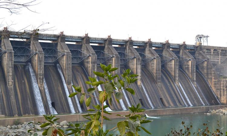 Breakthrough cloud computing facilities and remote sensing applications have helped showthe filling pattern of a water body (tank or reservoir) through freely available satellite imagery at an interval of five days.  (Image: Maithan dam, Wikimedia Commons)