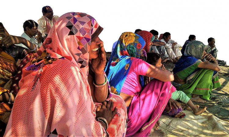 Villagers in Magradeh, Madhya Pradesh watching neighbouring farmers play a game. Image credit: Water Practitioners Network