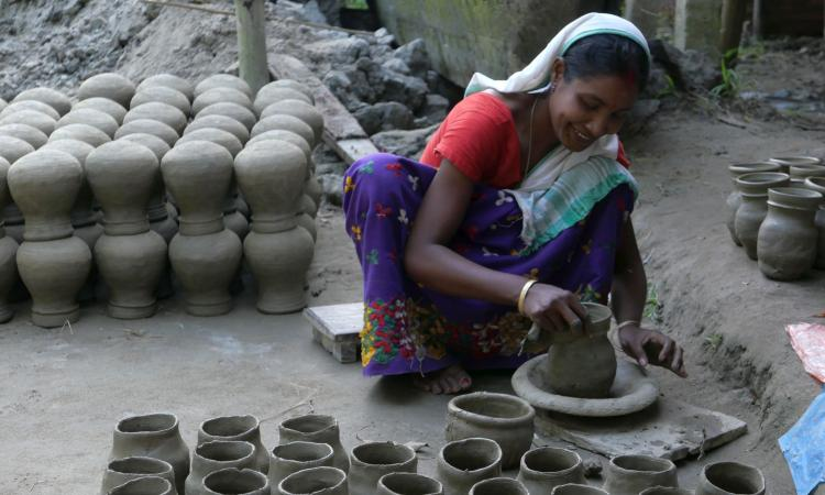 Potters' families belonging to Kumar community of the village make earthen pots (Image: Mitul Baruah)