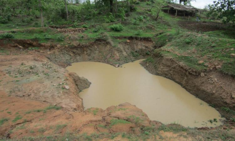A farm pond constructed by Sheshrao Dhurve in Karaghat Kamti village of Madhya Pradesh